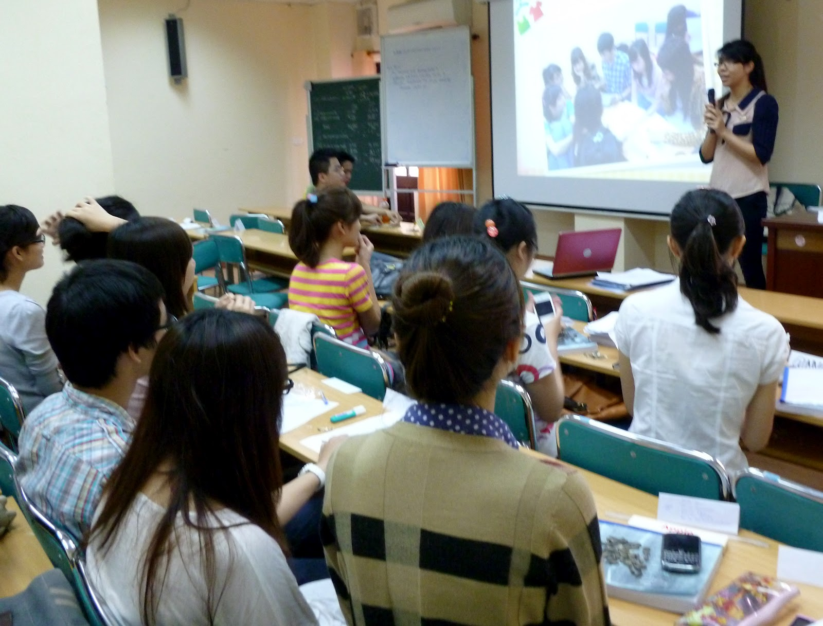Shirt design course - Here Are Photos From The Presentations Of Class Visk2011a Which Meets From 8 00 Am 9 20 Am