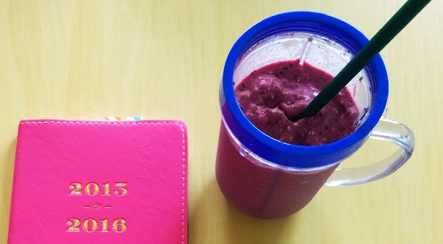 Easy and delicious strawberry, blueberry, and pineapple smoothie recipe.
