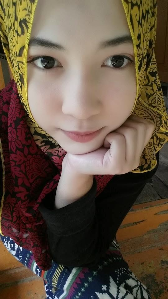 jilbab bugil.