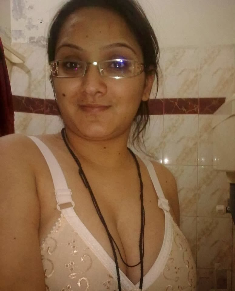 indian college girls naked boobs sucking