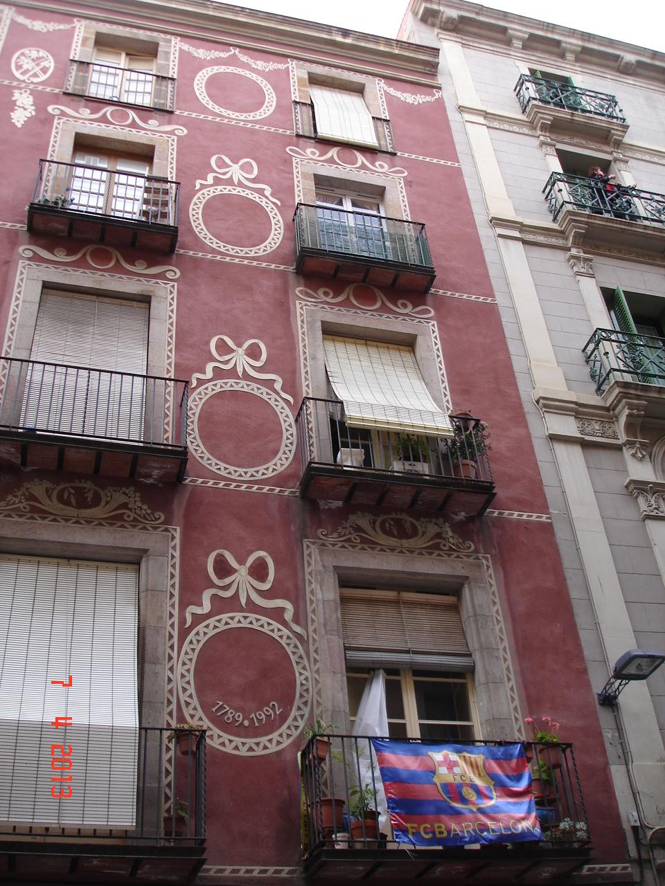 steaguri cu insemnele Barcelonei