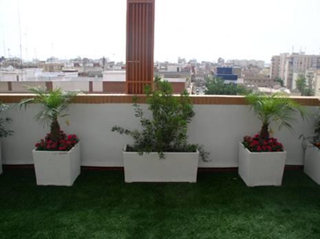 Arte y jardiner a ornamentos en el jard n for Terrazas rusticas en azoteas