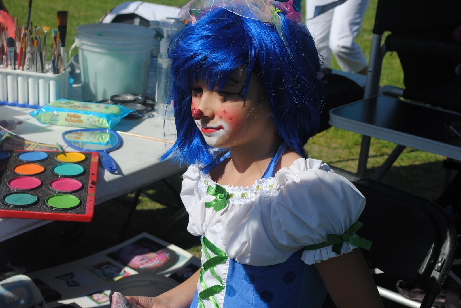 Girl Clowns Faces Face Painting And Clown