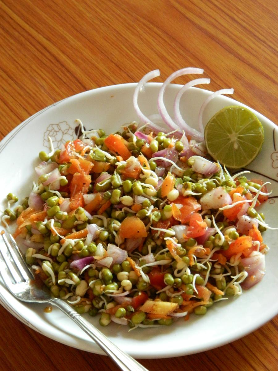 Let's Hook Up: Bean Sprout Salad(Pure Vegan)(Recipies)