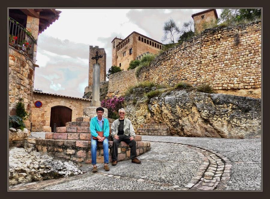 ALQUEZAR-PAISAJES-CASTILLO-HUESCA-PUEBLOS-ARAGON-ESPAÑA-FOTOS-VIAJES-EXCURSIONES-PINTURA-ERNEST DESCALS-PEDRO DEBANT