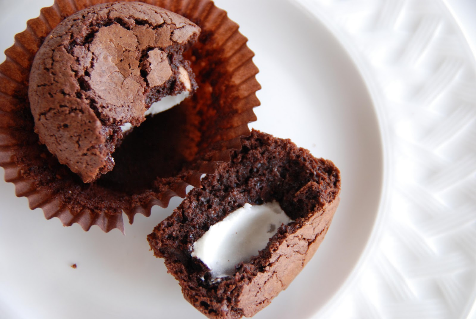 Simple Girl: Mint Filled Brownie Cupcakes