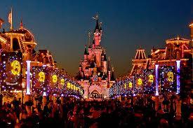 desfile en Disneyland Paris por la noche