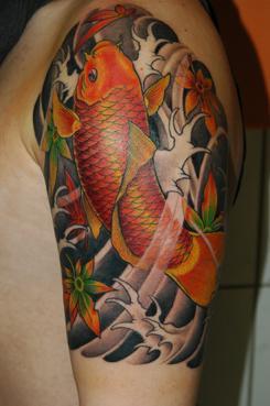 Tatuagem de Carpa no Braço