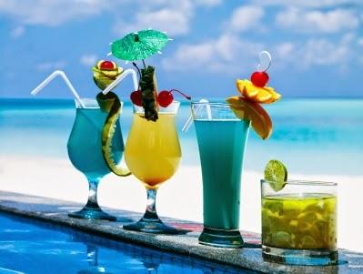 Καλοκαιρινά ποτά… Τι να πίνω όταν βγαίνω;
