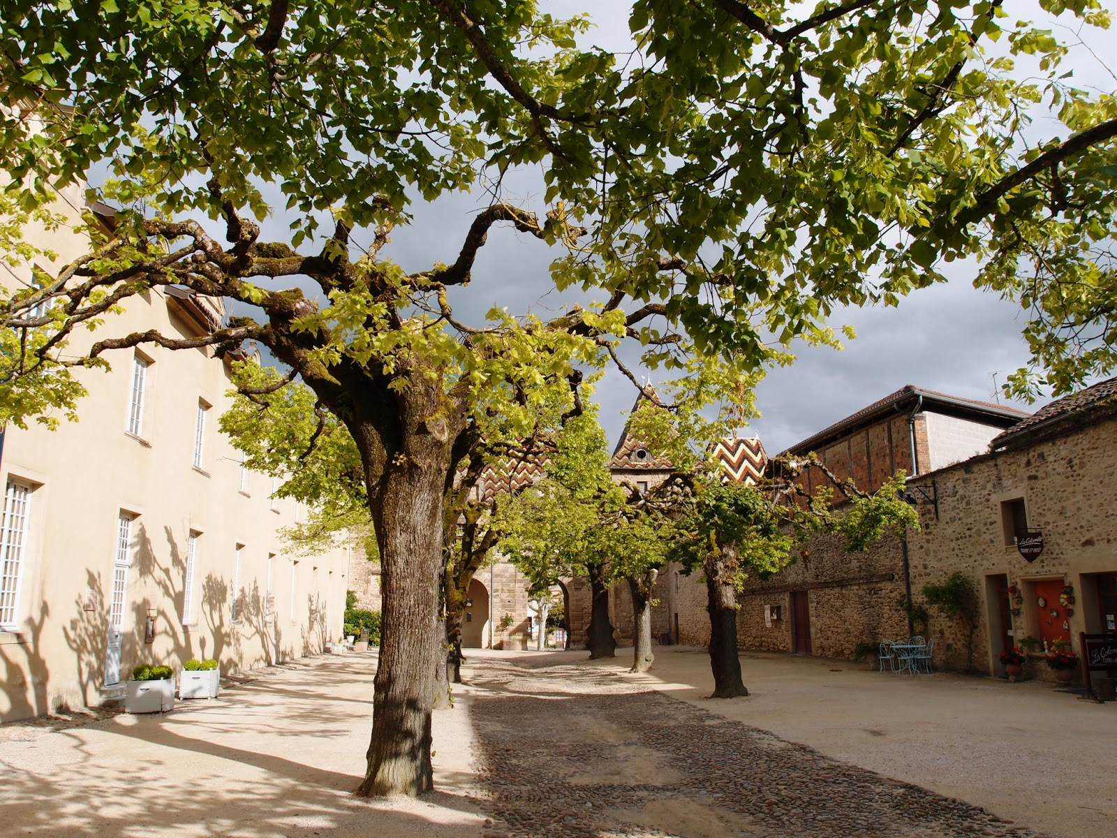Достопримечательности и виды Saint-Antoine-l'Abbaye, путеводитель по Saint-Antoine-l'Abbaye