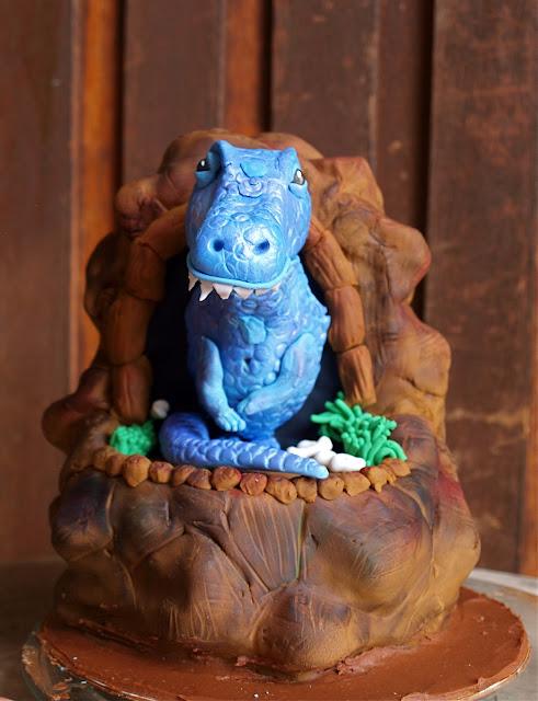 t-rex cake, sarah lou, dinosaur cake, birthday cake