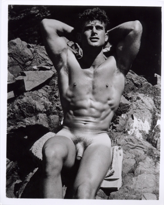 Vintage Nude Men Working Out Photos 37