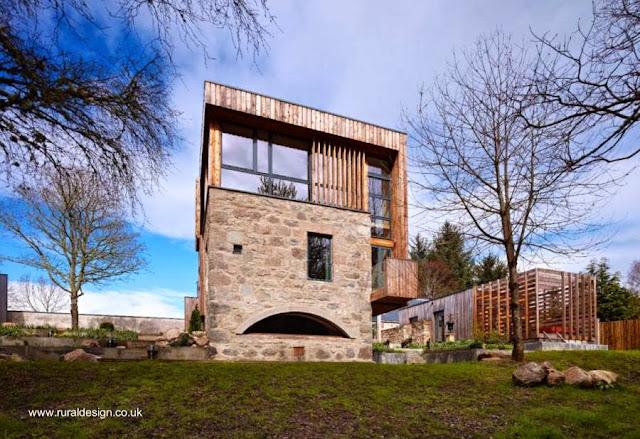 Molino de piedra rehabilitado como moderna casa en el campo