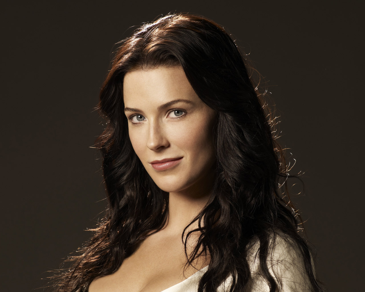 Bridget Regan - Photo Gallery
