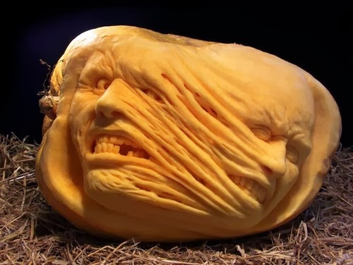 13-Halloween-The-Pumpkins-Villafane-Studios-Ray-Villafane-Sculpting-www-designstack-co