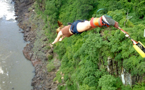 BUNGY (BUNGEE JUMPING)