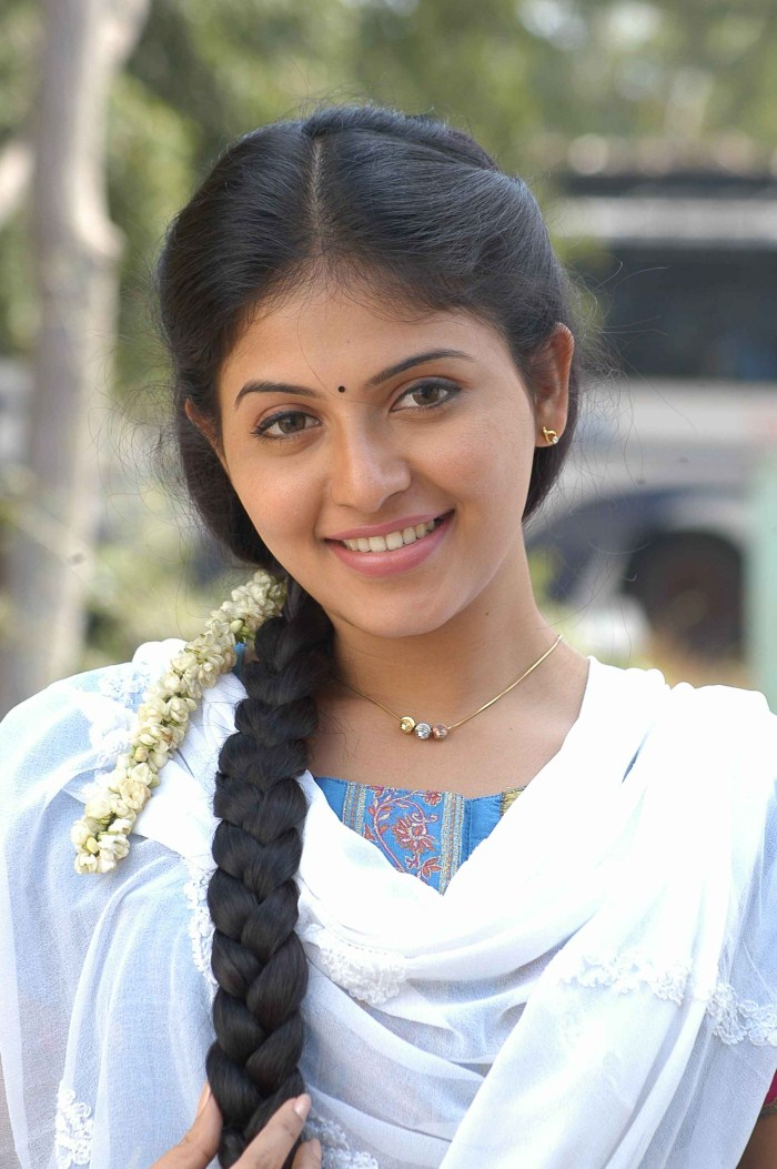 anjali latest images gallery in engeyum eppothum tamil