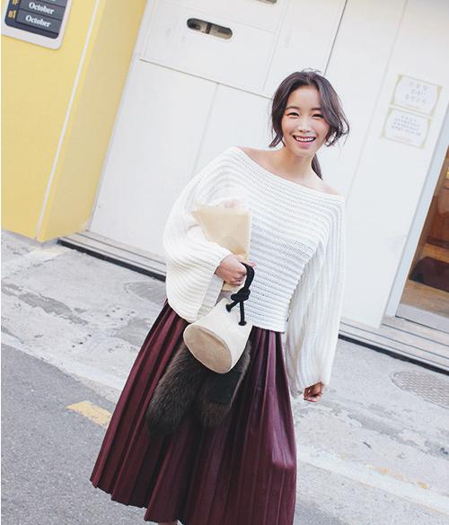 Off-Shoulder Knit Top