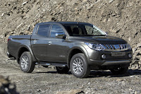 Mitsubishi L200 Series 5 Double Cab (2016) Front Side 2