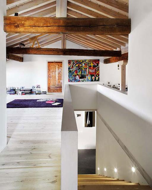 Loungen mit Kunst und Designklassiker auch auf dem Dach