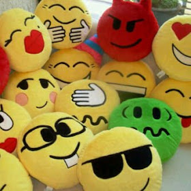 BANTAL EMOTICON BLACKBERRY DIAMETER 42 CM