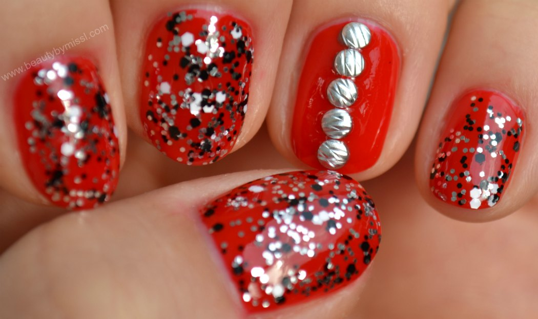 red nails, layering, silver nail art studs, KKCenterHk.
