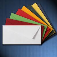 sobres de papel en diferentes colores