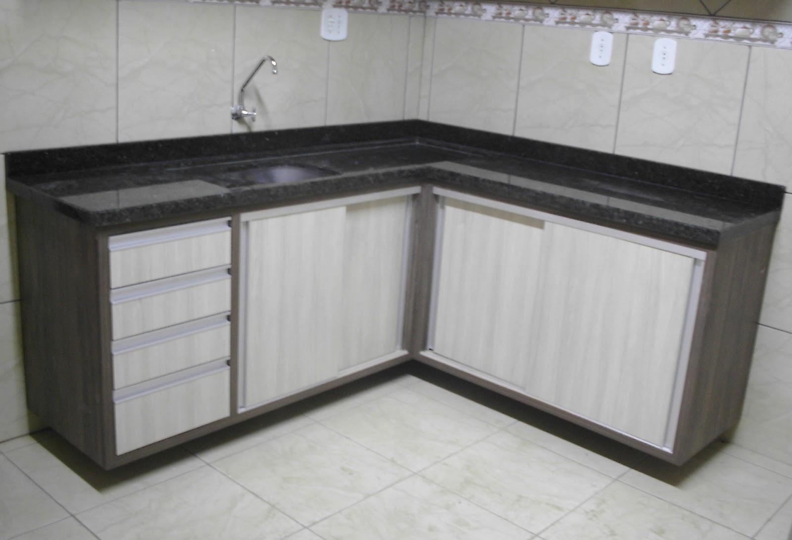 Pitanga Mármores e Granitos: Cozinhas produzidos em pedra Verde #5E5A4F 1600 1092