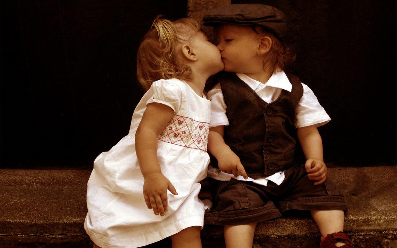 Gratis gambar lucu bayi-bayi berciuman