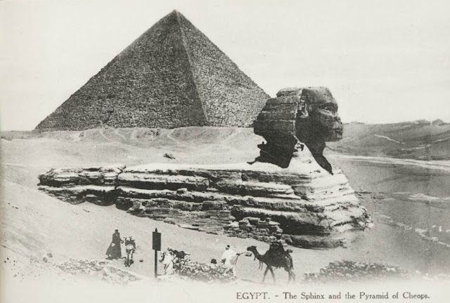 The Sphyinx and the Pyramid of Cheops in Egypt (public domain)