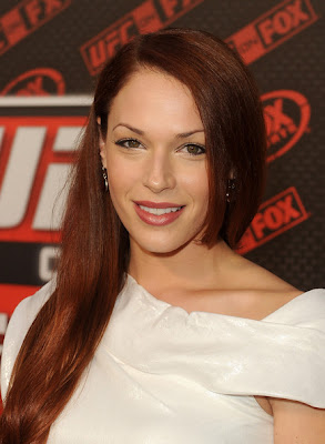 Amanda Righetti Side Sweep Hairstyle