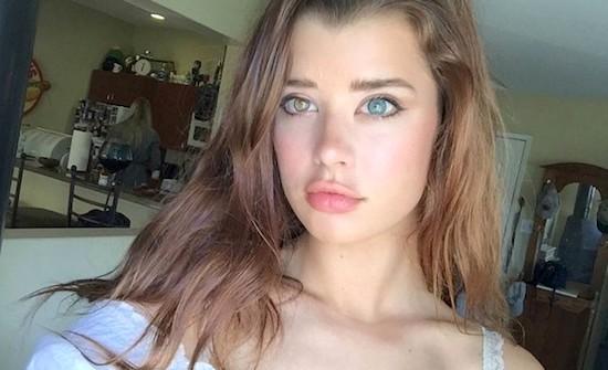 Sarah McDaniel, a modelo com heterocromia