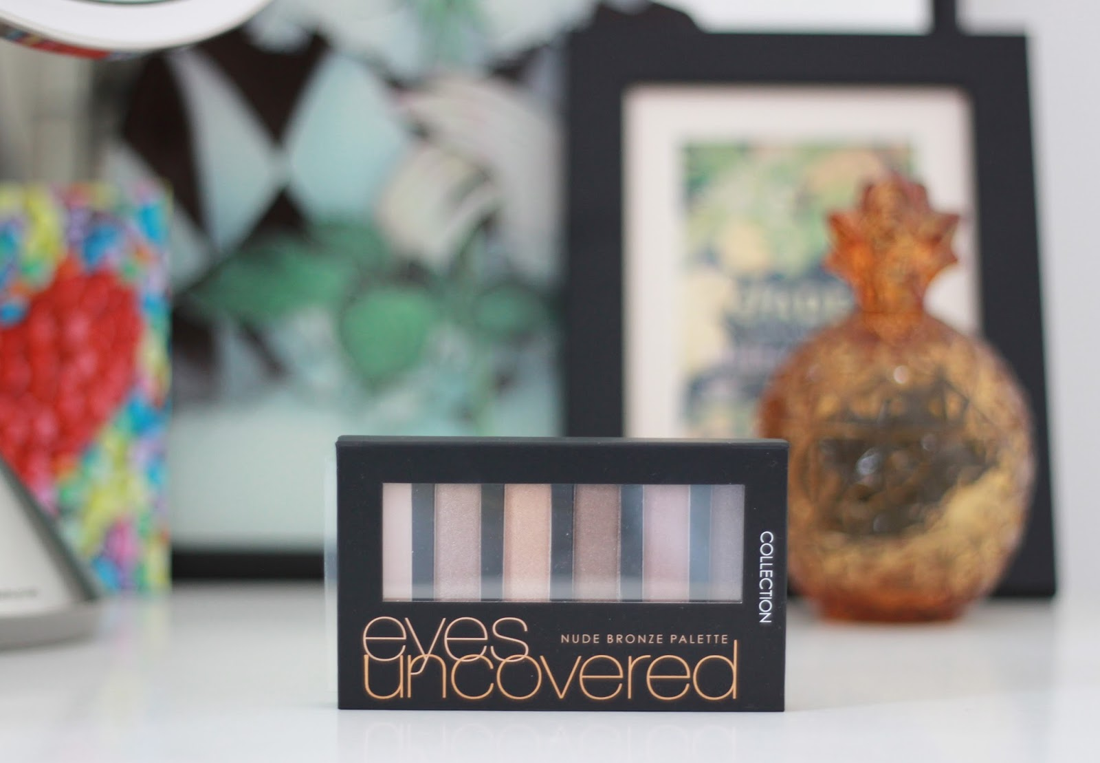 Collection Eyes Uncovered Nude Bronze eye shadow palette