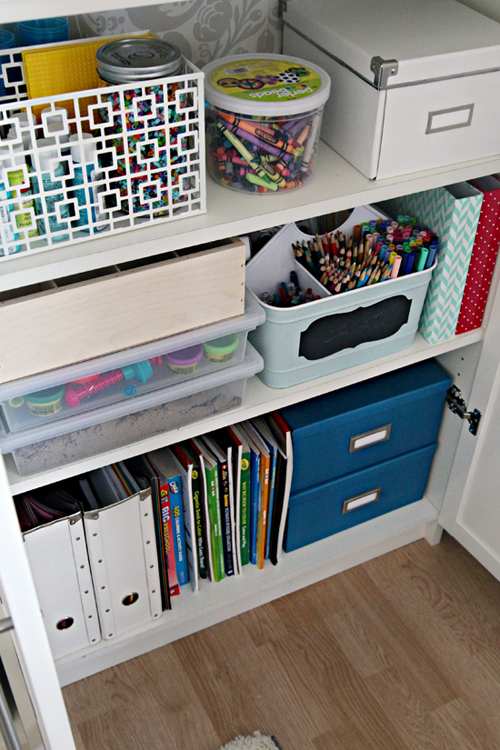 The Science Of Getting Kids Organized >> Iheart Organizing A Crafty Kid S Cabinet