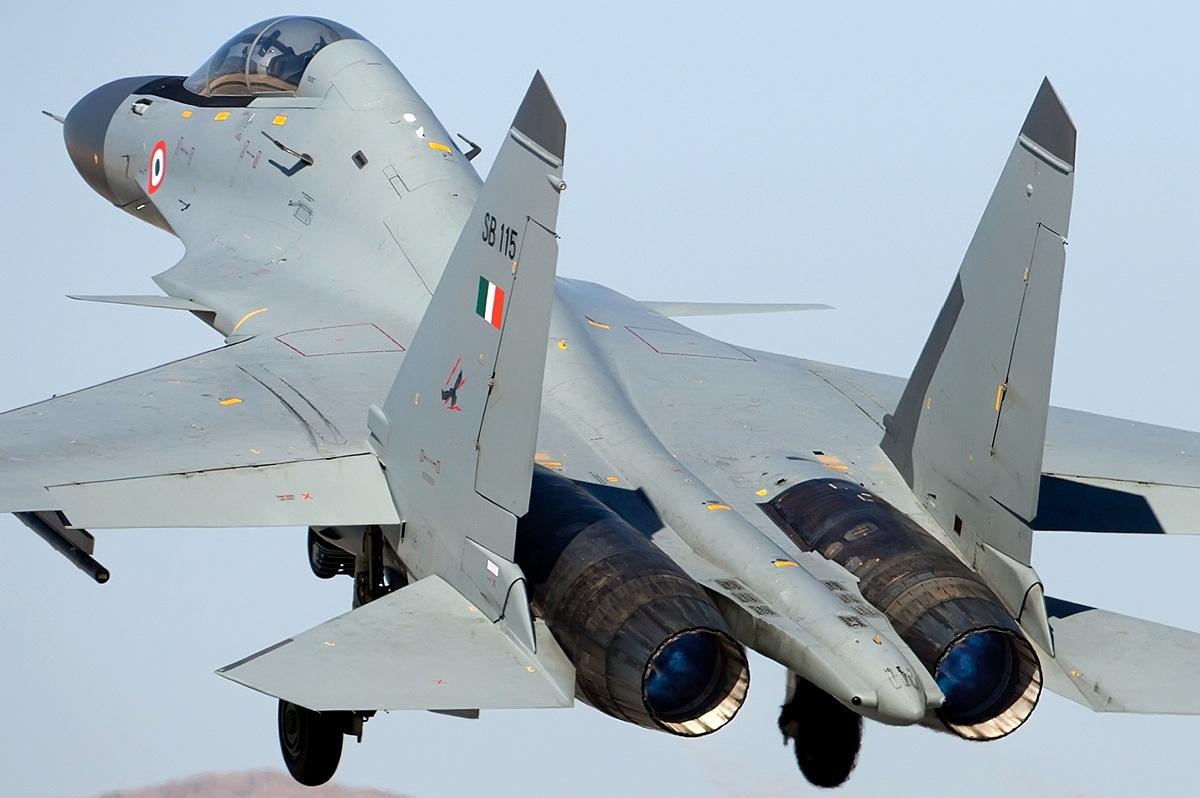 http://1.bp.blogspot.com/-lTtrWCBjlWw/Ttx-eTS3BXI/AAAAAAAACns/T-mZMzIf4h0/s1600/asian+defence+jf17+thunder.jpg