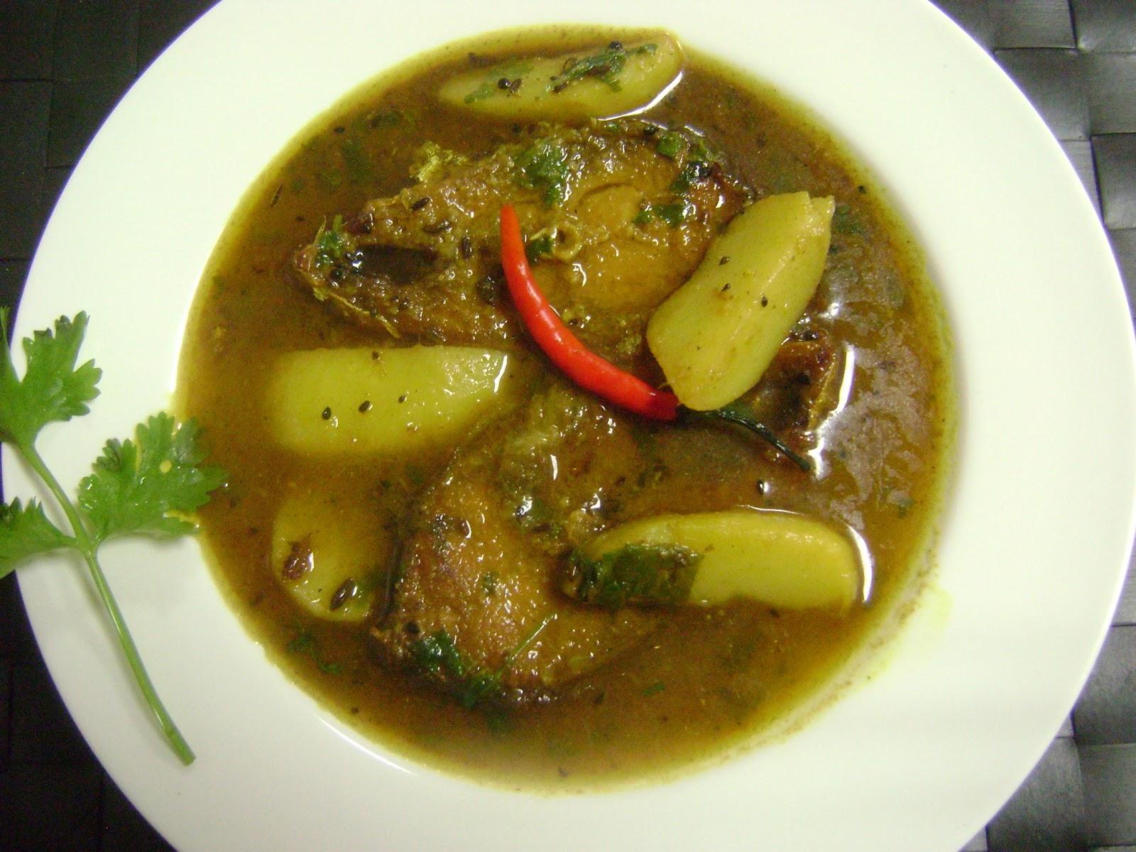 Bethica's Kitchen Flavours: Ilish Maach' er Jhol (Hilsa ...