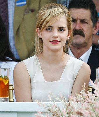 Emma Watson Face Shape. emma watson haircut.