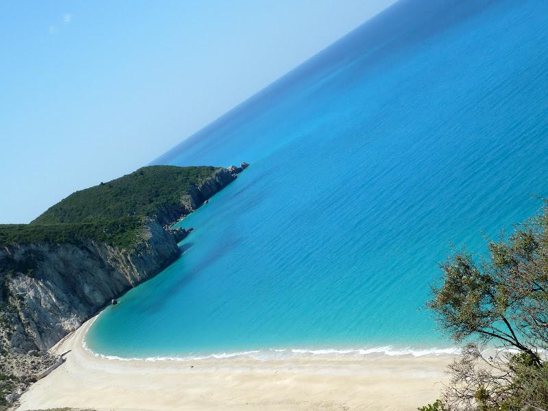 Einer der schönsten Strände auf Lefkada: Milos Beach bei Agios Nikitas (Griechenland)