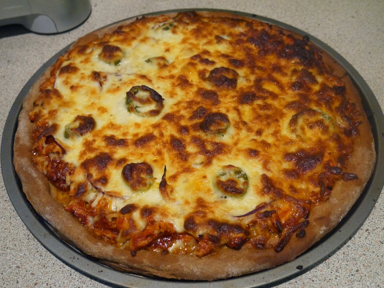 This Muslim Girl Bakes: BBQ Chicken Pizza
