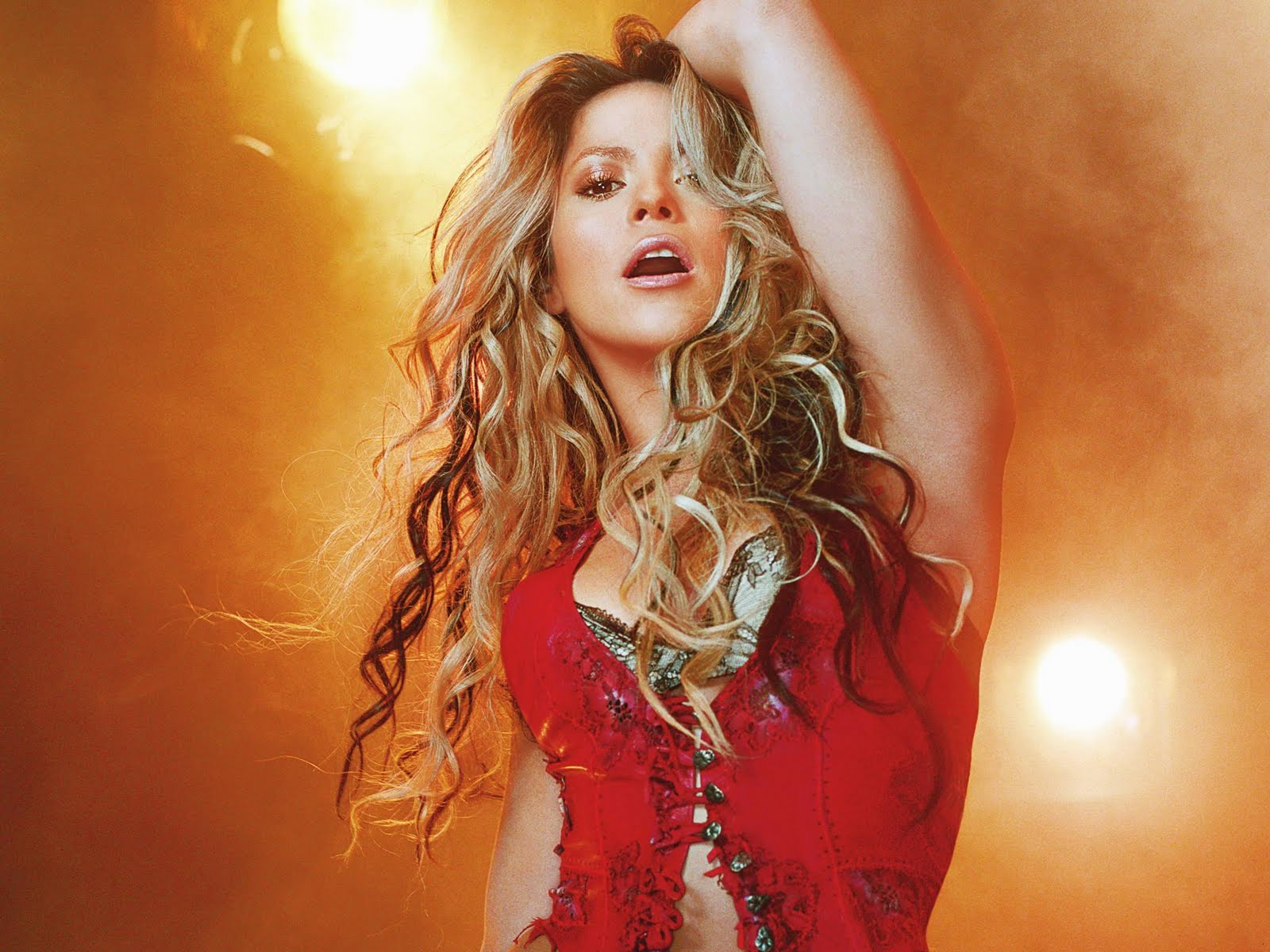 Celebrity Picture: Hollywood POP Singer Cute Shakira look ... Shakira