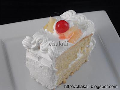 sponge cake, dessert, whipping cream, whipped cream