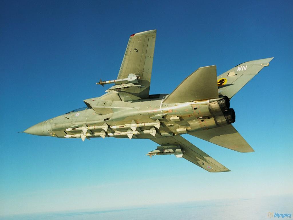 http://1.bp.blogspot.com/-lUqWP3XYin4/TvdmxILOS1I/AAAAAAAAE8s/9HfwcqEbOH8/s1600/Raf+Tornado+F3.jpg