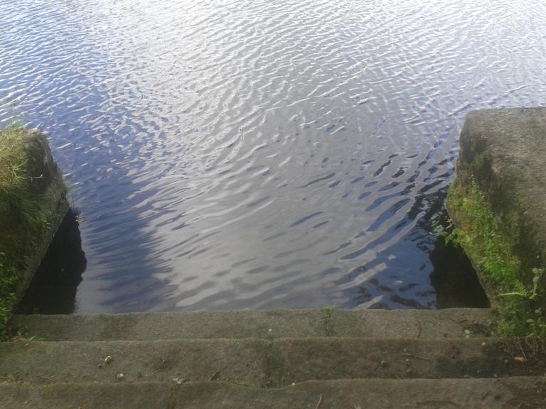 Entrada na àgua por escadas