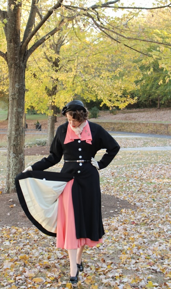 Outfit #14 of My Vintage Autumn Recap #vintage #coat #1940s #fashion #40s #style