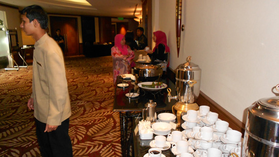 minum petang eastin hotel Makan Buffet Free di Eastin Hotel