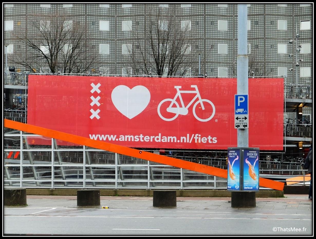 parking vélo bike park Amsterdam gare fiets