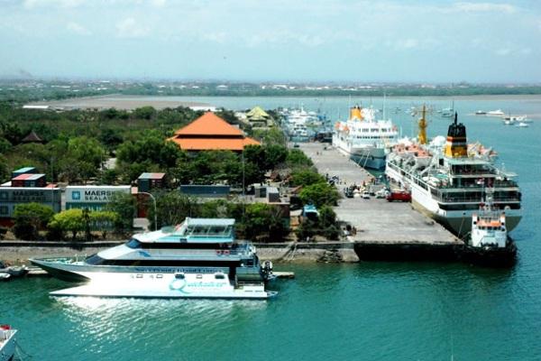 Pelabuhan Benoa, Bali. MARITIME LINE