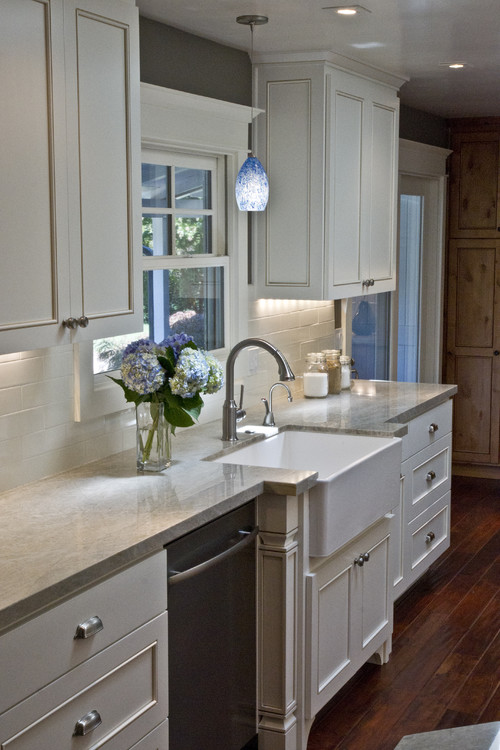 top photo credit via houzz traditional kitchen by benicia design