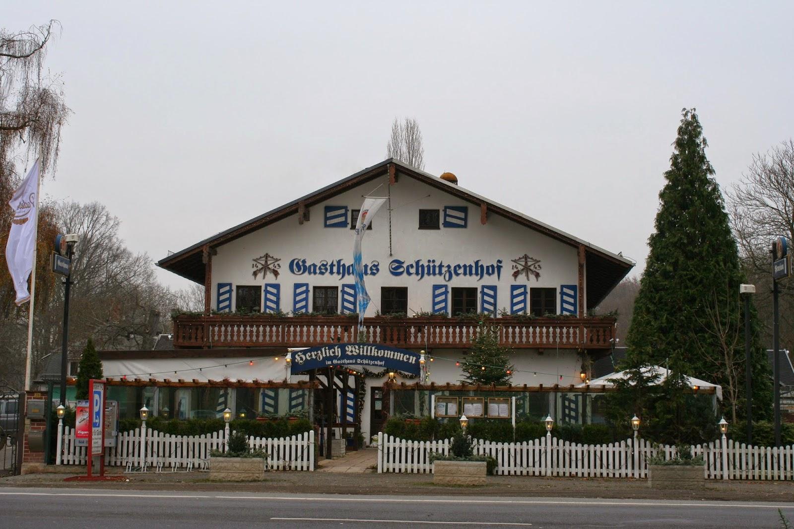 1919 wurde das Grundstück von der Leipziger Schützengesellschaft e.V. erworben - von 1919 bis 1921 wurde das Vereinsgebäude mit Saal und Anbauten errichtet, ebenso die Schießanlagen