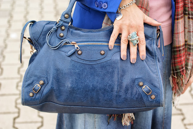 Balenciaga City cobalt, Reese Estrellita silver ring, quartz ring, Fashion and Cookies, fashion blogger